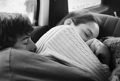 Không có ai sinh ra đã là hoàn hảo dành cho nhau, chỉ là ai vì ai mà thay đổi không mà thôi