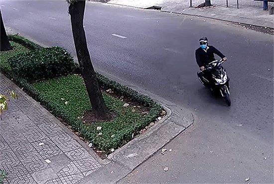 Nhân viên ngoại giao Nga bị giật dây chuyền táo tợn trên phố Sài Gòn