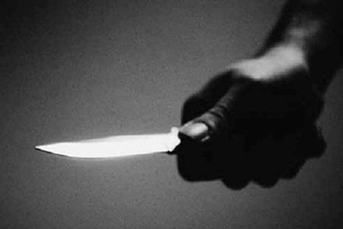 Chồng đâm chết vợ rồi đến công an đầu thú