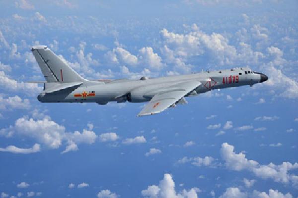 Toan tính của Trung Quốc khi chọn thời điểm hạ cánh oanh tạc cơ tại Hoàng Sa