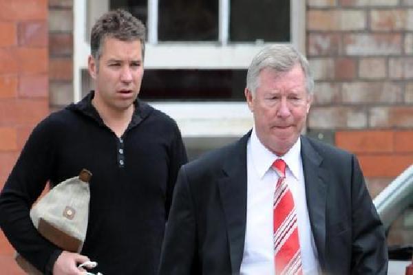 Bất ngờ với câu nói đầu tiên của Sir Alex Ferguson sau cơn hôn mê