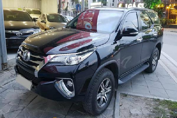 Vắng ôtô nhập khẩu, xe cũ được dịp tăng giá tại Việt Nam