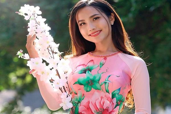 Hoa hậu Hoài Sa: 'Tôi mong người chuyển giới được công nhận giọng hát chất lượng thực sự chứ không phải chuyện bên lề'