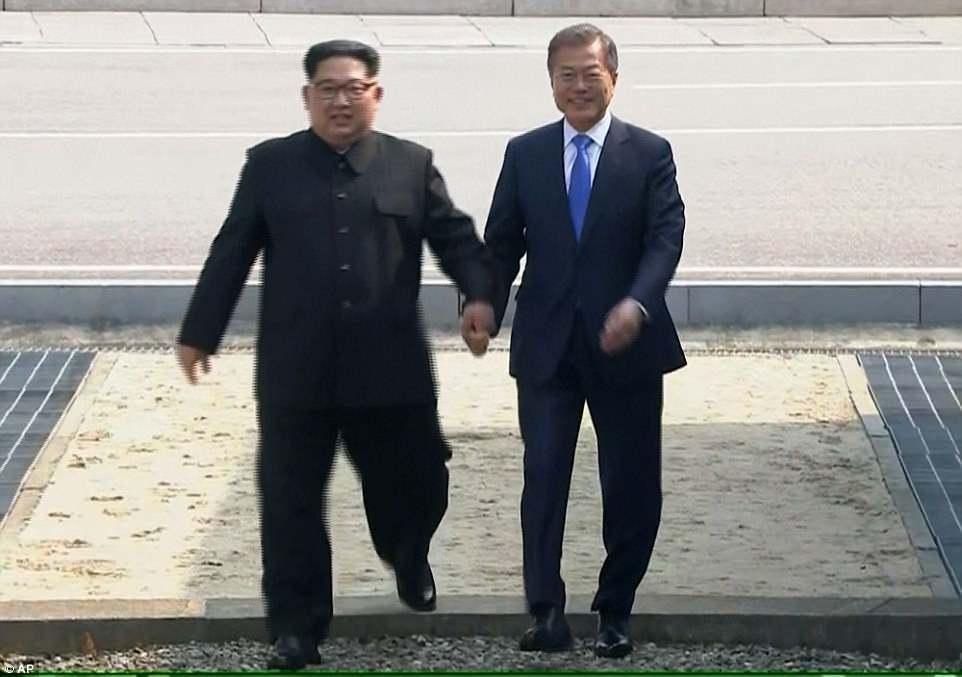 Video: Kim Jong-un bước chân qua giới tuyến liên Triều