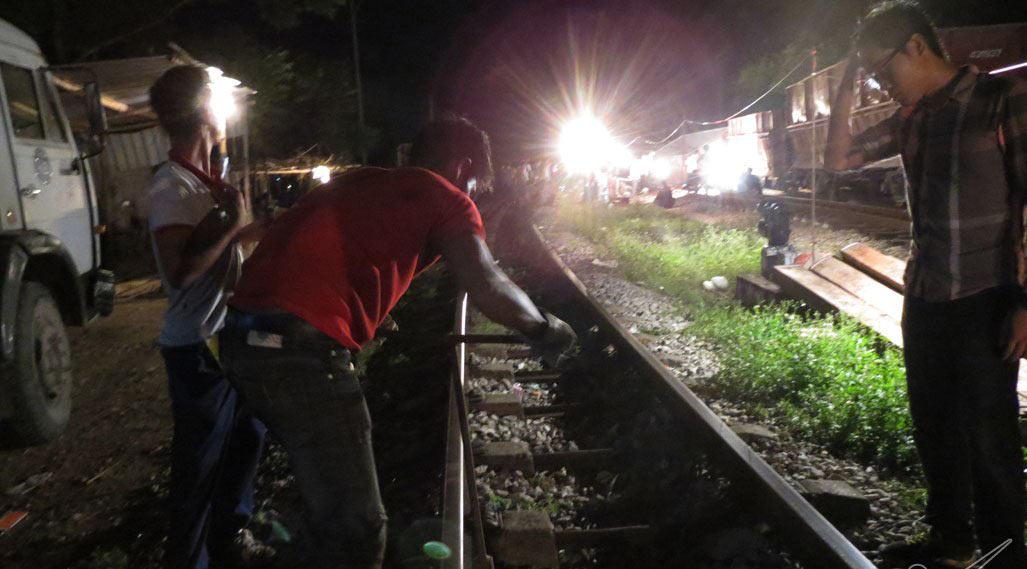 Lộ nguyên nhân toa tàu văng khỏi đường ray ở Nghệ An