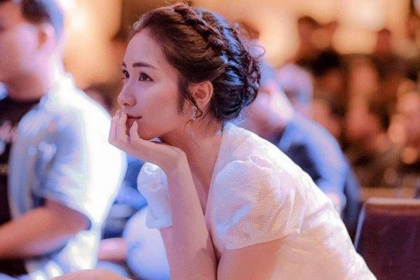 Hòa Minzy kể chuyện gặp người của 'Hội Thánh Đức Chúa Trời'