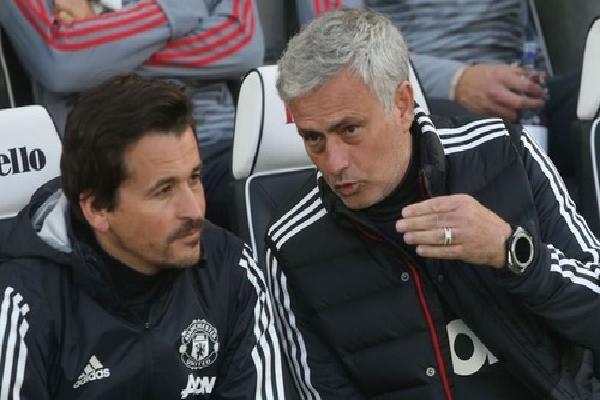 Mourinho thừa nhận khó lật đổ Man City mùa sau