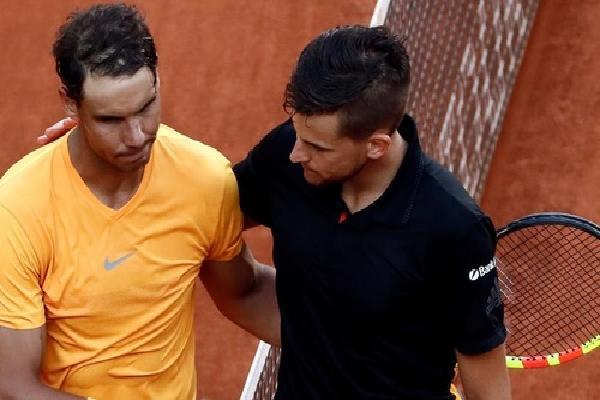Nadal gục ngã ở tứ kết Madrid Mở rộng, mất ngôi đầu ATP