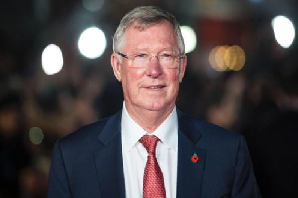 Thế giới bóng đá hướng về Alex Ferguson