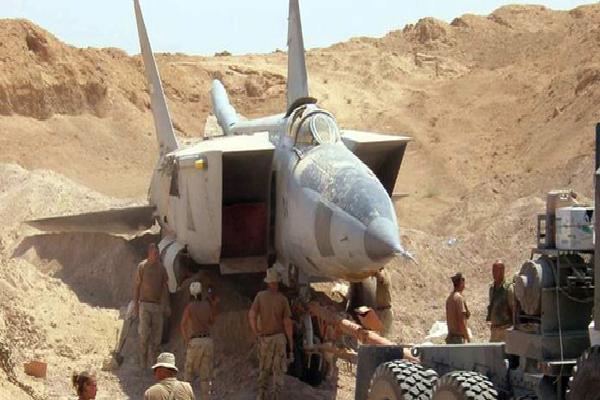 Sợ bị tập kích ở Syria, Nga lập tức 'giấu' chiến đấu cơ Su-34, Su-35 trong... các bao cát