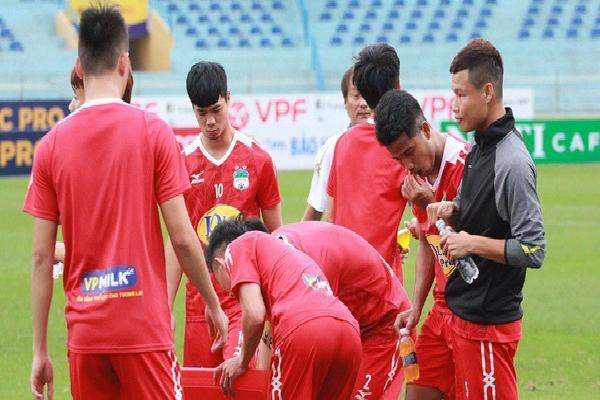 Xuân Trường vắng mặt, HAGL tập kín trước trận đối đầu Hà Nội