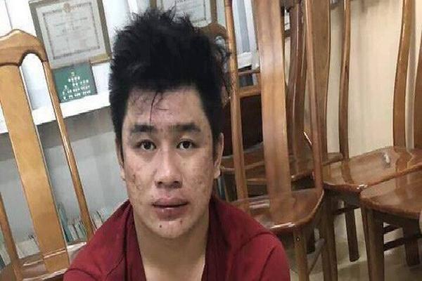 Cha mẹ ly hôn, nghi can đâm chết 2 'hiệp sĩ' Sài Gòn sống với bà nội bị bệnh tim từ nhỏ