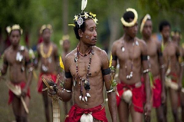 Quần đảo kì lạ, nơi phụ nữ muốn có bao nhiêu người tình cũng được và không cần phá thai