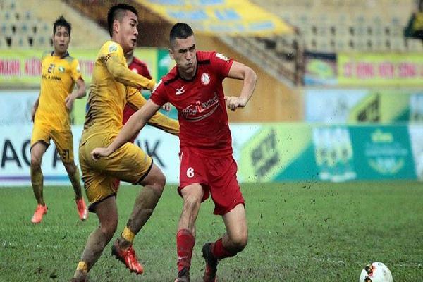 Đội nhà thua liền 4 trận, HLV Miura đối mặt với nguy cơ 'bay ghế'