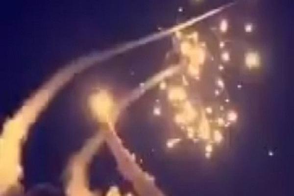Patriot thần thánh Mỹ phản chủ, Nga nhanh tay hớt mỏ vàng Saudi Arabia: S-400 tham chiến