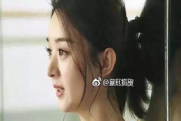 Hết bị chê nói tiếng Anh dở, Triệu Lệ Dĩnh lại 'dính phốt' dùng diễn viên đóng thế cho clip quảng cáo