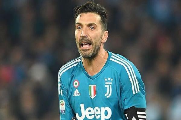 Buffon chia tay Juventus cuối mùa này