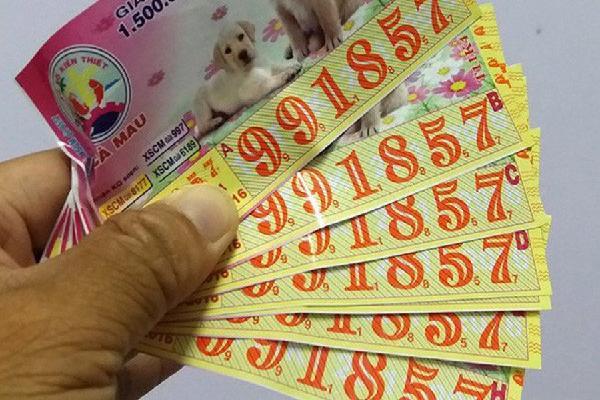 Trúng thưởng đặc biệt 80 tờ vé số: 'Anh hai' Tiền Giang siêu số đỏ