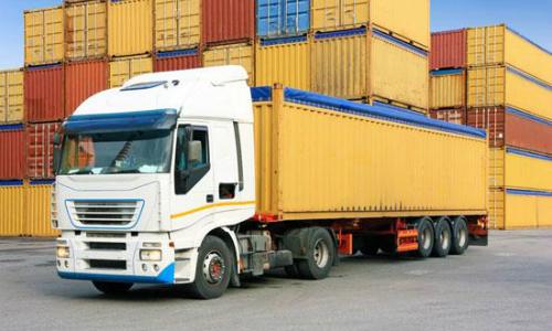 Doanh nghiệp vận tải tăng giá theo xăng, dầu
